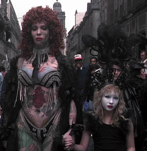 santa-sangre-tattooed-lady