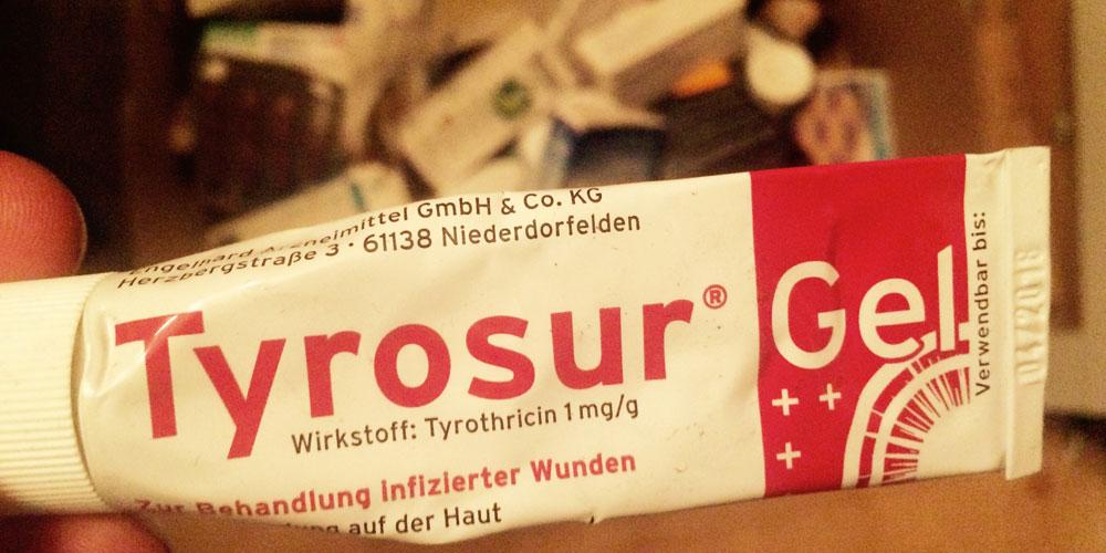 Berlinspiriert-Lifestyle-Tattoopflege-mit-Tyrosur-Wundheilgel-tyrosur