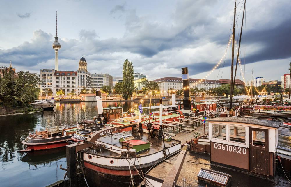Berlin_Historischer_Hafen_Credit_Dagmar_Schwelle_GEO_SPECIAL[1]